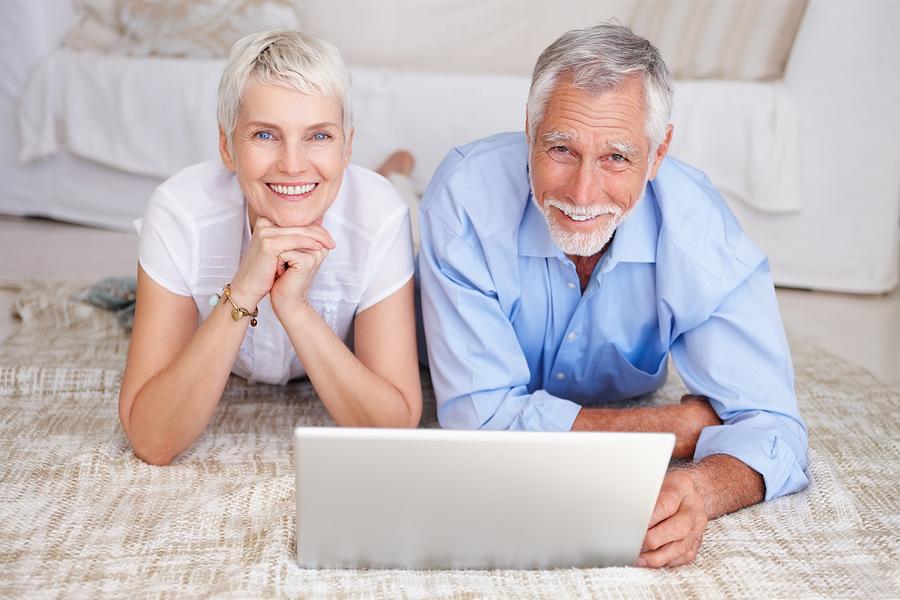 Senior-Couple-Happy-in-their-Retirement-in-Louisville